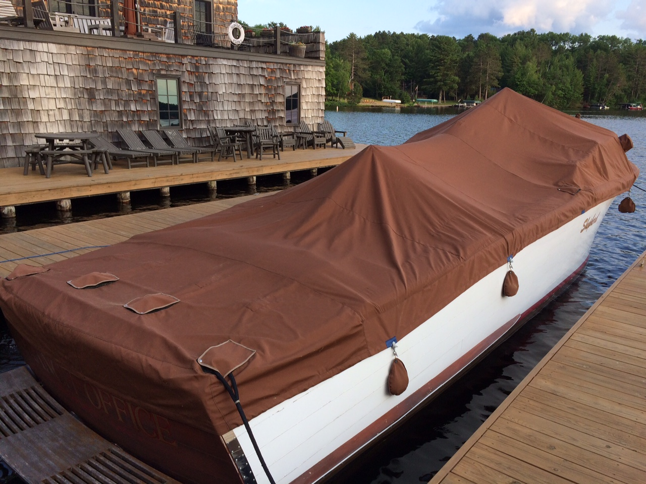 Mooring cover for 32 wood boat